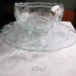 L. E. Smith Punchbowl Pinwheel & Star Pattern W. Underplate, 12 Cups, Ladle &hooks