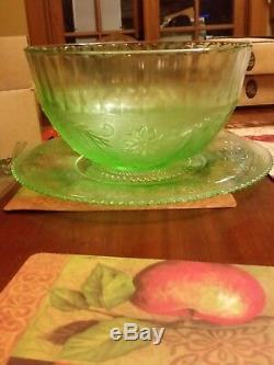 Sandwich Pattern Chantilly green Glass Punchbowl, Tiara 27pieces